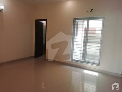 5 marla upper portion for rent in available