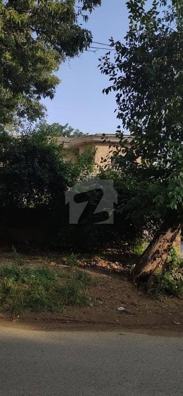 ایف ۔ 10 مرکز ایف ۔ 10 اسلام آباد میں 4 کمروں کا 1. 02 کنال مکان 6. 5 کروڑ میں برائے فروخت۔