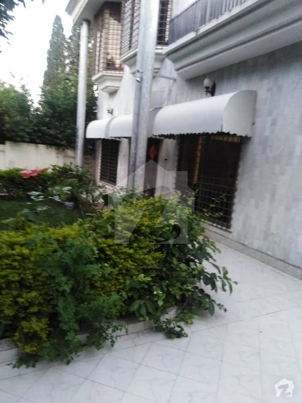 Old House Is Available For Sale 777 Sq Yd Prime Location