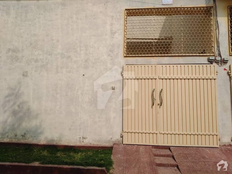 نیاز ٹاؤن ملتان میں 2 کمروں کا 5 مرلہ مکان 50 لاکھ میں برائے فروخت۔