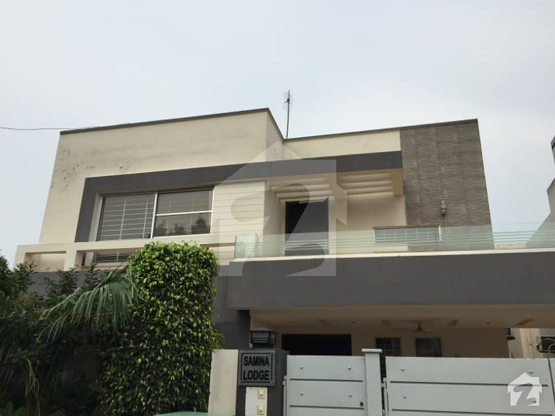 10 MARLA BRAND NEW LUXURY UPPER PORTION FOR RENT IN BAHRIA TOWN LAHORE