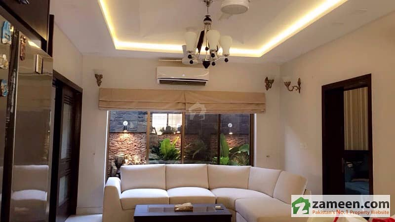 10 Marla Fully Furnished Luxury House Is Available For Rent