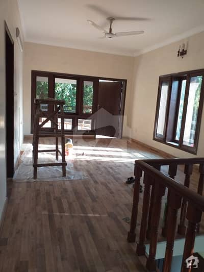 500 Sq Yds Brand New 4 Beds House