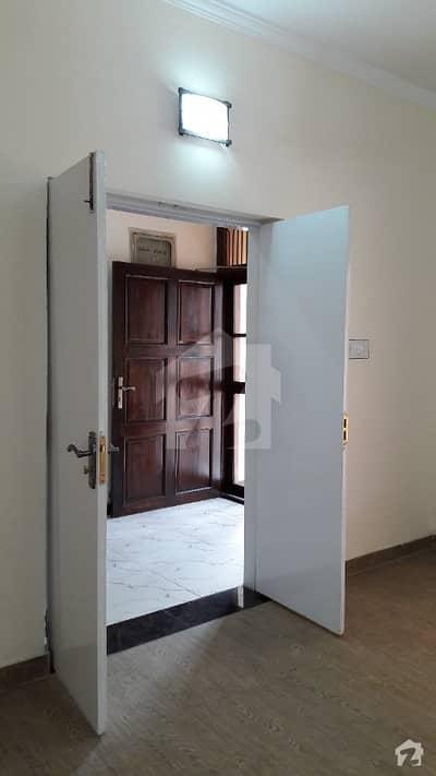 عسکری 9 عسکری لاہور میں 3 کمروں کا 12 مرلہ مکان 2.6 کروڑ میں برائے فروخت۔