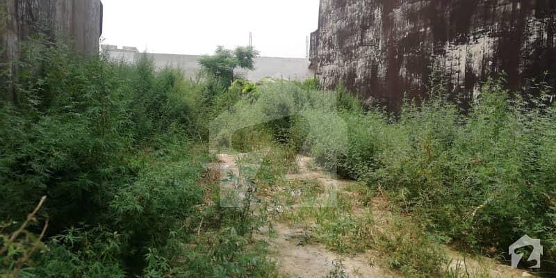 ای ۔ 11 اسلام آباد میں 10 مرلہ رہائشی پلاٹ 2.35 کروڑ میں برائے فروخت۔