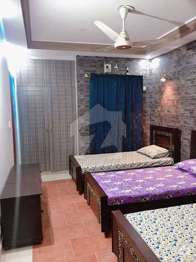 Room available for girls in Girl Continental Hostel