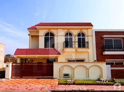 Decent Design Luxury House For Sale