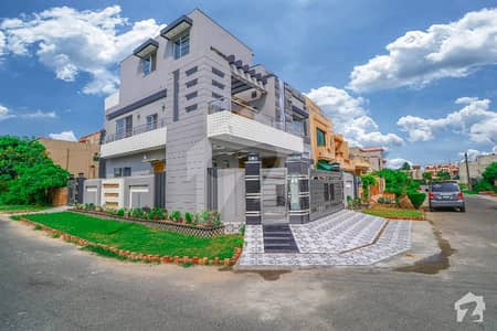 Corner Location 10 Marla Magnificent House For Sale In NFC 1 Lahore