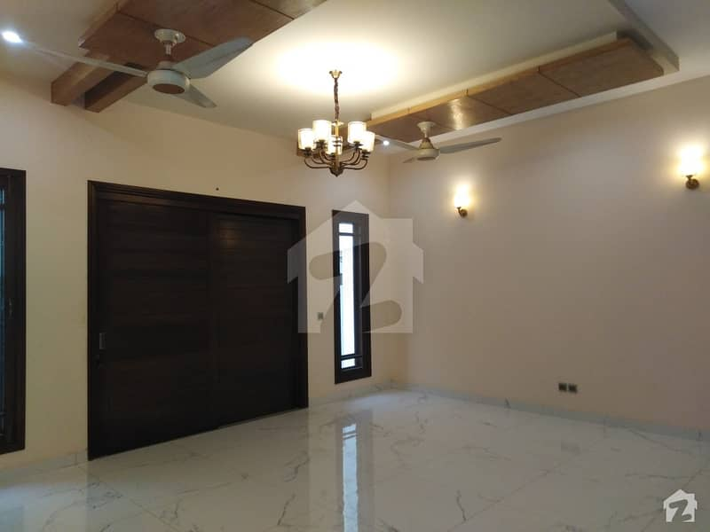 Modern design 2+4 Bed With Full Basement Having Patio Open Ro Sky Bungalow Is Available For Sale