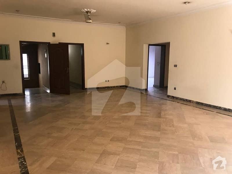 نشیمنِ اقبال فیز 1 نشیمنِ اقبال لاہور میں 4 کمروں کا 1 کنال بالائی پورشن 50 ہزار میں کرایہ پر دستیاب ہے۔