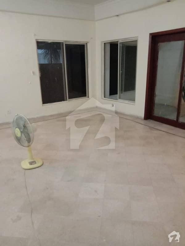 1 Kanal Modren Design Bungalow For Rent In Dha Phase 4 Block Gg