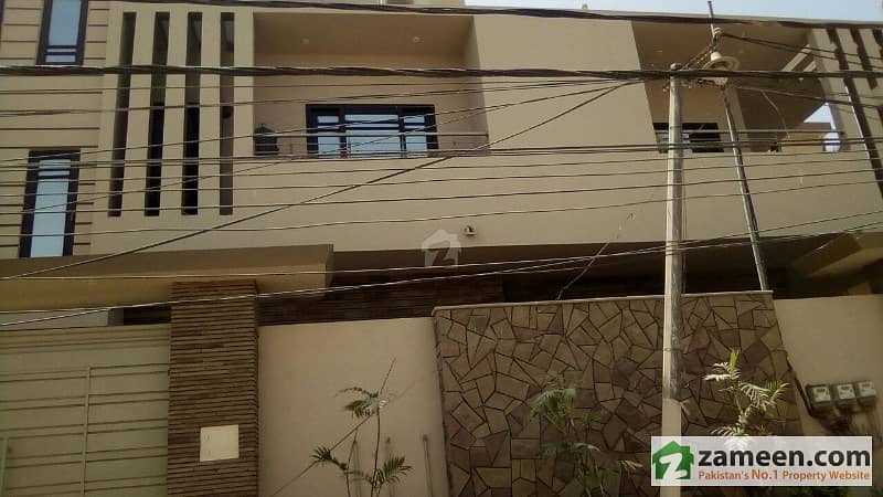275 Sq Yard Luxury Apartment For Sale On 1st Floor With Roof Brand New