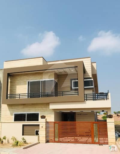 10 Marla I Block Beautifully Constructed House Near Roots School in Bahria Town Phase 8