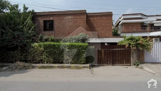 12 Marla House For Rent In G Block of Gulberg 2 Lahore