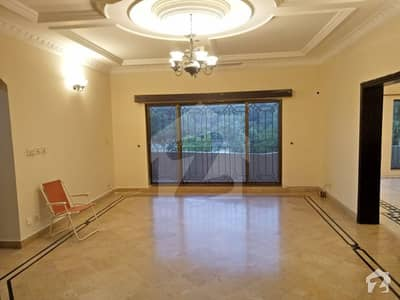 F11 Beautiful 1 Kanal 3 Bed Rooms Corner Independent Upper Portion Available Real Images