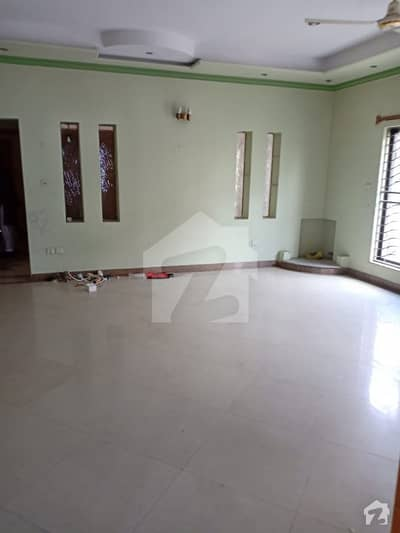 2 Kanal House Is Available For Rent Located In Phase 2 Block U Dha Defence