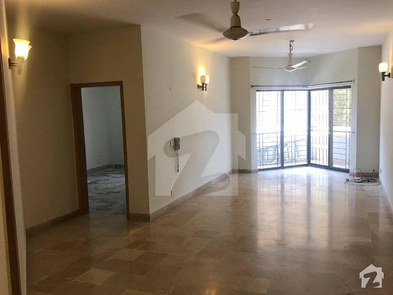 کلفٹن ۔ بلاک 2 کلفٹن کراچی میں 3 کمروں کا 8 مرلہ فلیٹ 85 ہزار میں کرایہ پر دستیاب ہے۔