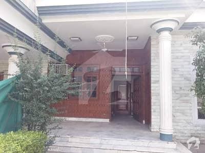حیات آباد فیز 1 - ای2 حیات آباد فیز 1 حیات آباد پشاور میں 5 کمروں کا 1 کنال مکان 50 ہزار میں کرایہ پر دستیاب ہے۔