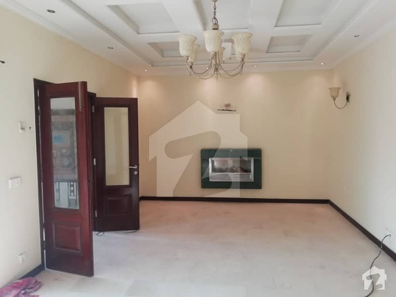 2 Kanal Luxury Bungalow For Rent Dha Phase 3