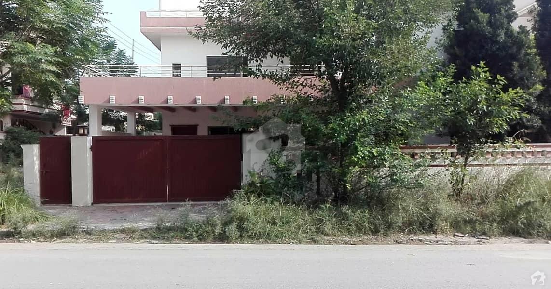 پاکستان ٹاؤن اسلام آباد میں 6 کمروں کا 1 کنال مکان 2.55 کروڑ میں برائے فروخت۔