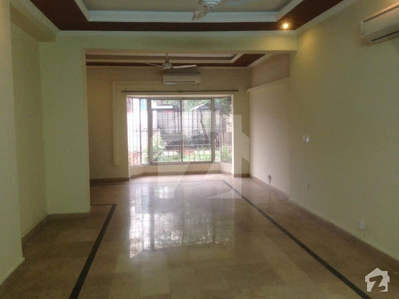جی ۔ 6/3 جی ۔ 6 اسلام آباد میں 11 کمروں کا 2.9 کنال مکان 5.5 لاکھ میں کرایہ پر دستیاب ہے۔