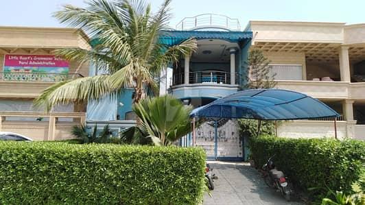 جناح ایونیو کراچی میں 4 کمروں کا 8 مرلہ مکان 3.5 لاکھ میں کرایہ پر دستیاب ہے۔