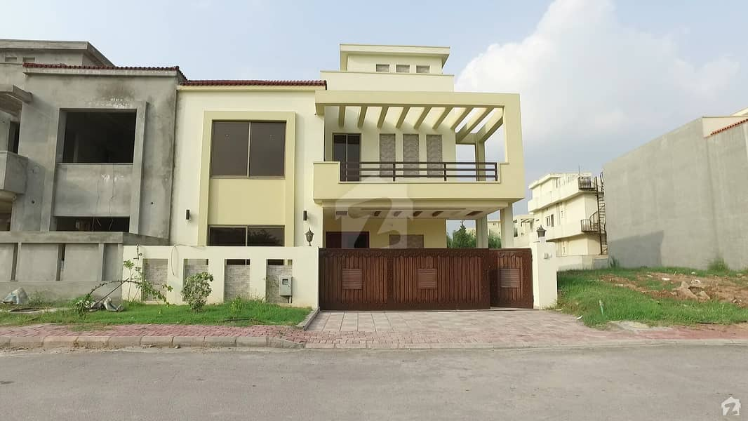House constructed on 10.5 Marla in front of Park, Sector A, Bahria Enclave Is Available For Sale
