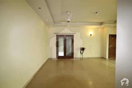 1 kanal upper portion for rent in dha phase 5 prime location neat to park