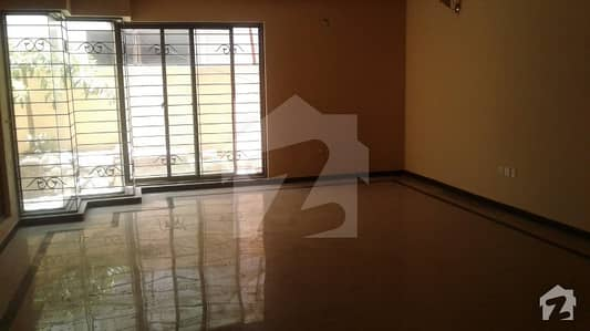 5 Beds 1 Kanal Hot Location Bungalow For Rent In Dha Lahore