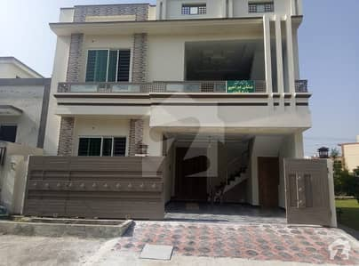 CBR Town phase 1,Islamabad,   size 30x60, newly built beautiful house, 5 bedrooms attach bathrooms, 2D/D, 2TVL, 2 kitchens, 1 SQ, 2 Car parkings, excellent society