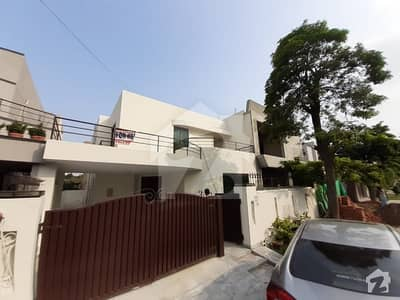 10 Marla Immaculate White House For Rent In Phase 04 Gg Block For Rent