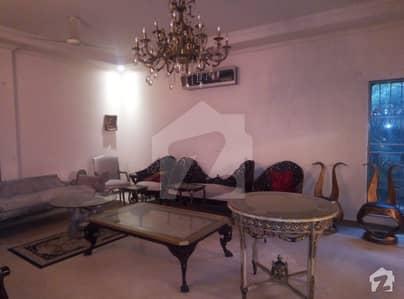 ڈی ایچ اے فیز 2 - بلاک ٹی فیز 2 ڈیفنس (ڈی ایچ اے) لاہور میں 5 کمروں کا 4 کنال مکان 5 لاکھ میں کرایہ پر دستیاب ہے۔