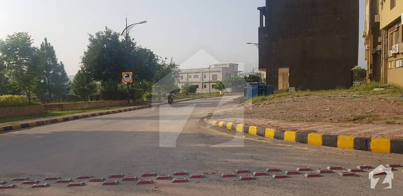 Bahria Enclave 4m Comeshral Plot  For Sale