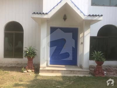 01 Kanal  04 Bed House  In Main Tufail Road Near Mall Of Lahore On Rent Fully Renovated