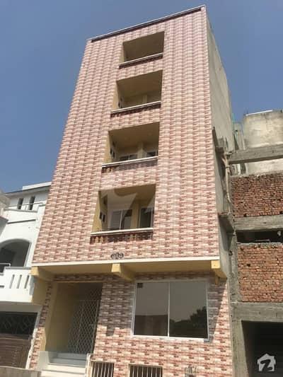 رائل ایونیو اسلام آباد میں 11 کمروں کا 5 مرلہ عمارت 3 کروڑ میں برائے فروخت۔