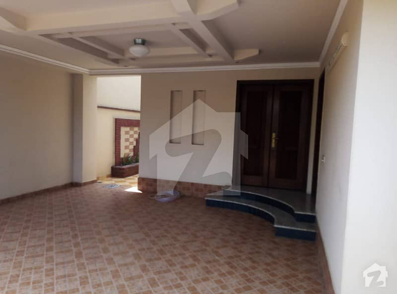 10 Marla House For Sale In M Block Phase Phase 8 DHA