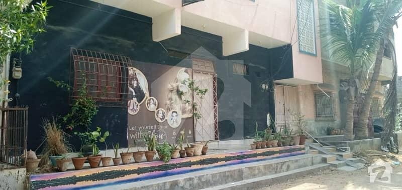 لکھنؤ سوسائٹی کورنگی کراچی میں 9 کمروں کا 4 مرلہ مکان 1.5 کروڑ میں برائے فروخت۔
