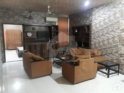 Flat For Rent In Kacha Lawrence Road