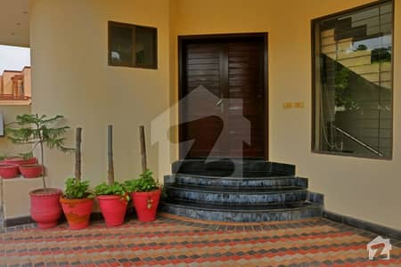 DHA PHASE 8 AIR AVENUE 10 MARLA CORNER HOUSE FOR SELL
