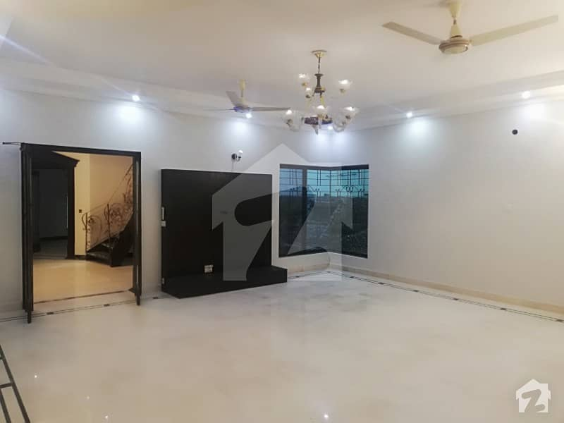 1 Kanal House Is Available For Sale In W Block Phase 3 DHA