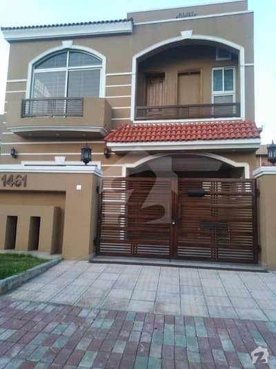 بحریہ ٹاؤن فیز 3 - بلاک اے بحریہ ٹاؤن فیز 3 بحریہ ٹاؤن راولپنڈی راولپنڈی میں 5 کمروں کا 10 مرلہ مکان 2.38 کروڑ میں برائے فروخت۔
