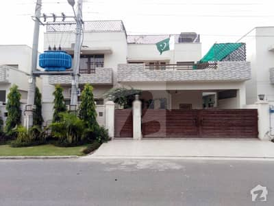 18 Marla House For Sale In Askari 10 Sector F Lahore