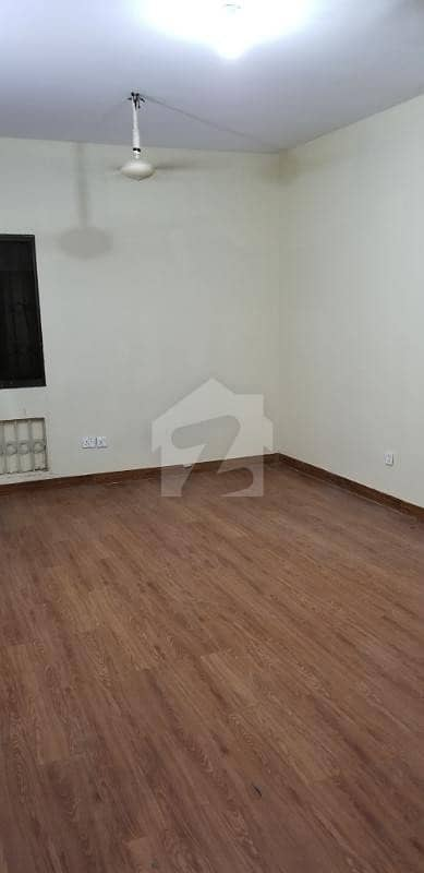 3 Bed Drawing Lounge Corner West Open Flat