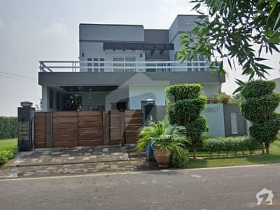 DEFENCE 10 MARLA OWNER BUILD NEW BUNGALOW IDEAL LOCATION REASONABLE PRICE