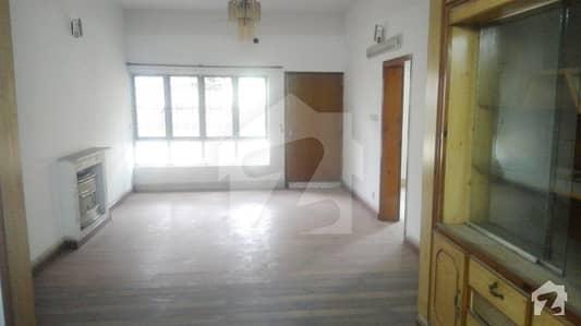 i83 house for sale Near Kachnar Park