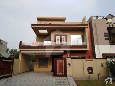 10 Marla House For Sale In J Block Of Izmir Town Lahore