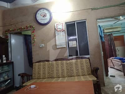 Flat For Sale  In Heart Of Qasiamabad On Main Road Near Khair Agency Along With Asim Clinic  At First Floor