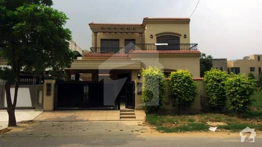 10 Marla 4 Beds New House For Rent