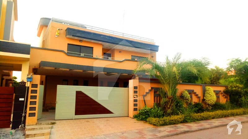 1 CANAL USED BUNGALOW FOR SALE