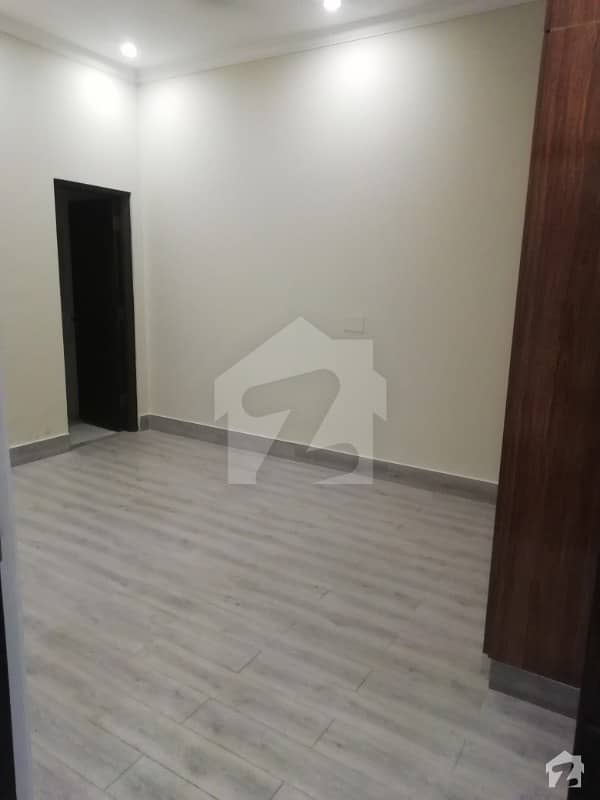 Brand new luxury100 %original Picture 10 marla lower portion for rent in available and gas and electricity and park and Lgs school other facilities and play ground in available near ring rode near phase 5dha